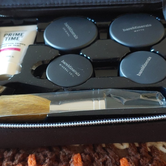 New in Box Bare Mineral Complexion Kit Golden Tan